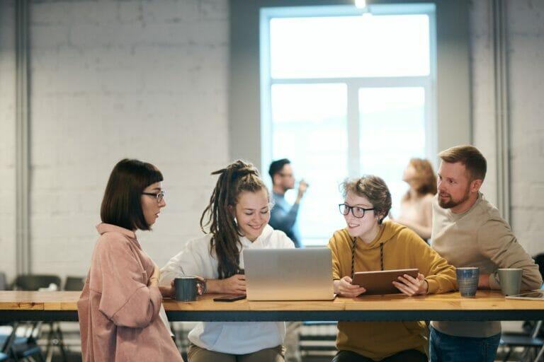 Bis 2025 werden die Digital Natives den Hauptteil der Arbeitnehmerschaft ausmachen
