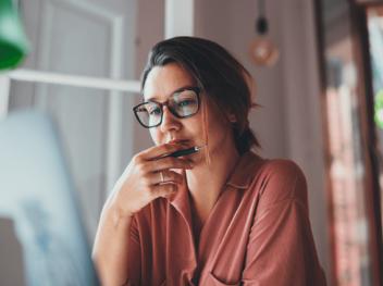 Corona-Umfrage der Techniker Krankenkasse: Psychische Belastungen steigen